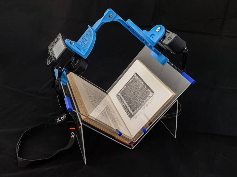 2019.10.21 - Updated Book Scanning Frame - Plexiglas 1