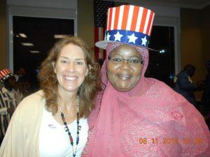 Une électrice burkinabè avec Mme Soya