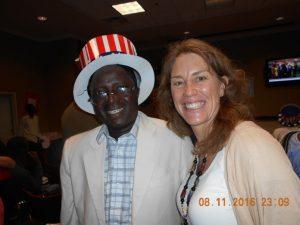 Mme Brenda Soya, Directrice de la section Diplomatie publique, ravis d'accueillir des électeurs Burkinabè