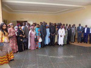 Photo de famille des parlementaires participant à la réunion de Ouagadougou
