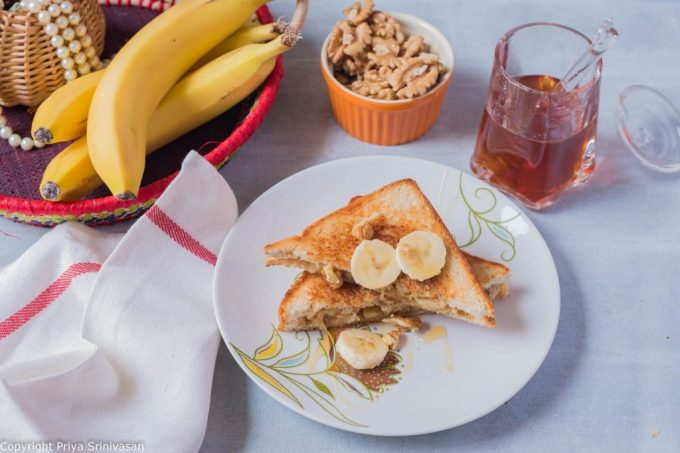 Banana honey sandwich