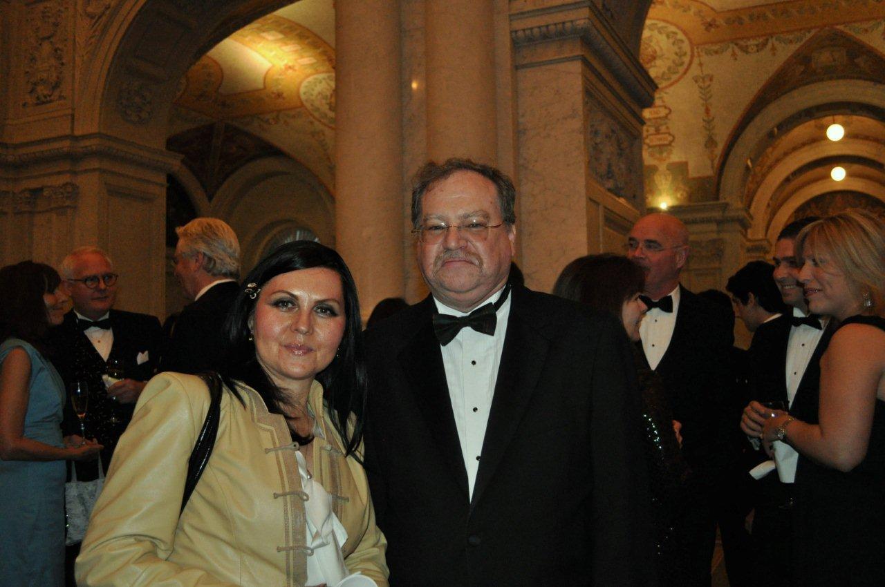 Ayla Bakkalli and Christopher Murphy