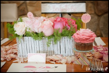 ombre-rose-centerpiece-with-ombre-cupcakes-for-bachelorette-party-iceland-wedding-planner