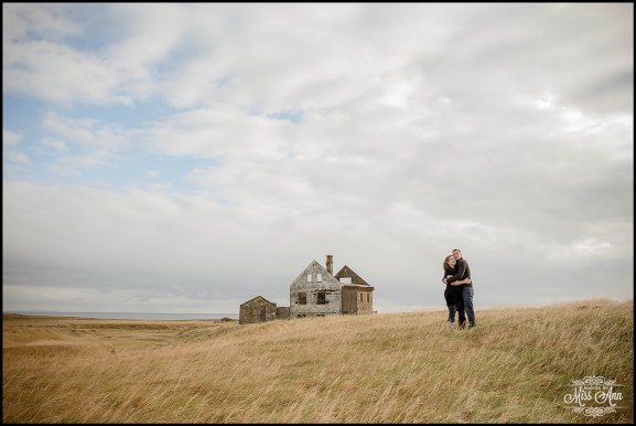iceland-pre-wedding-session-at-abandoned-hous