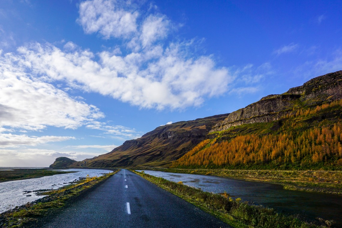 When is the best time of year to visit Iceland? I can make an argument for each season! Check out my list of pros and cons for each season, as well as average temperatures and daylight hours! | Life With a View