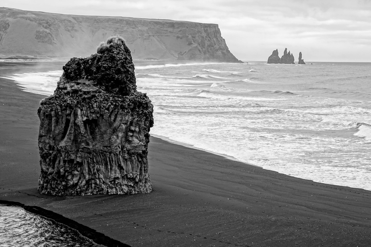 South Iceland must visit places - Reynisfjara black sand beach // Iceland trip planning made easy with TripCreator.com | Life With a Viwe