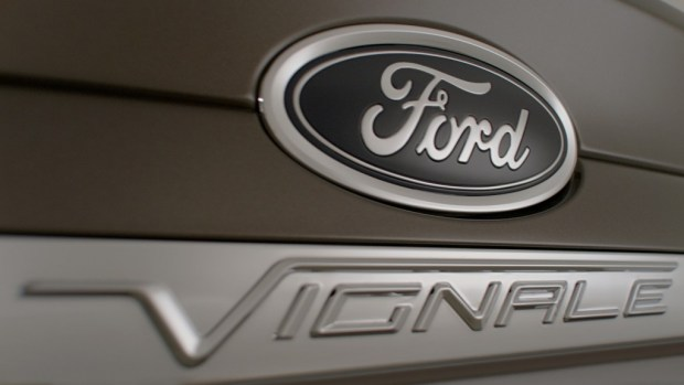 FordVignale_Mondeo_BADGE