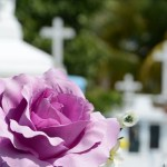 How to Plan a Simple and Dignified Funeral for Your Loved One