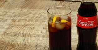 REVEALED: Swapping from Coke to Diet Coke has no effect on weight loss