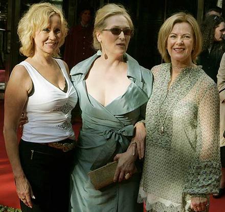 Agnetha and Frida flank Meryl Streep - photo MATS ANDERSON