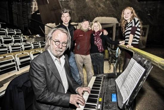 Benny in Copenhagen with the cast of 'Hjælp søges' - Photo: Jakob Jorgensen