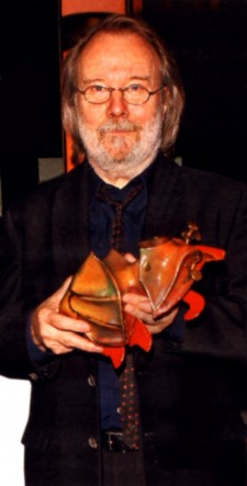 Benny with his 2013 Guldbagge for 'Palme'.