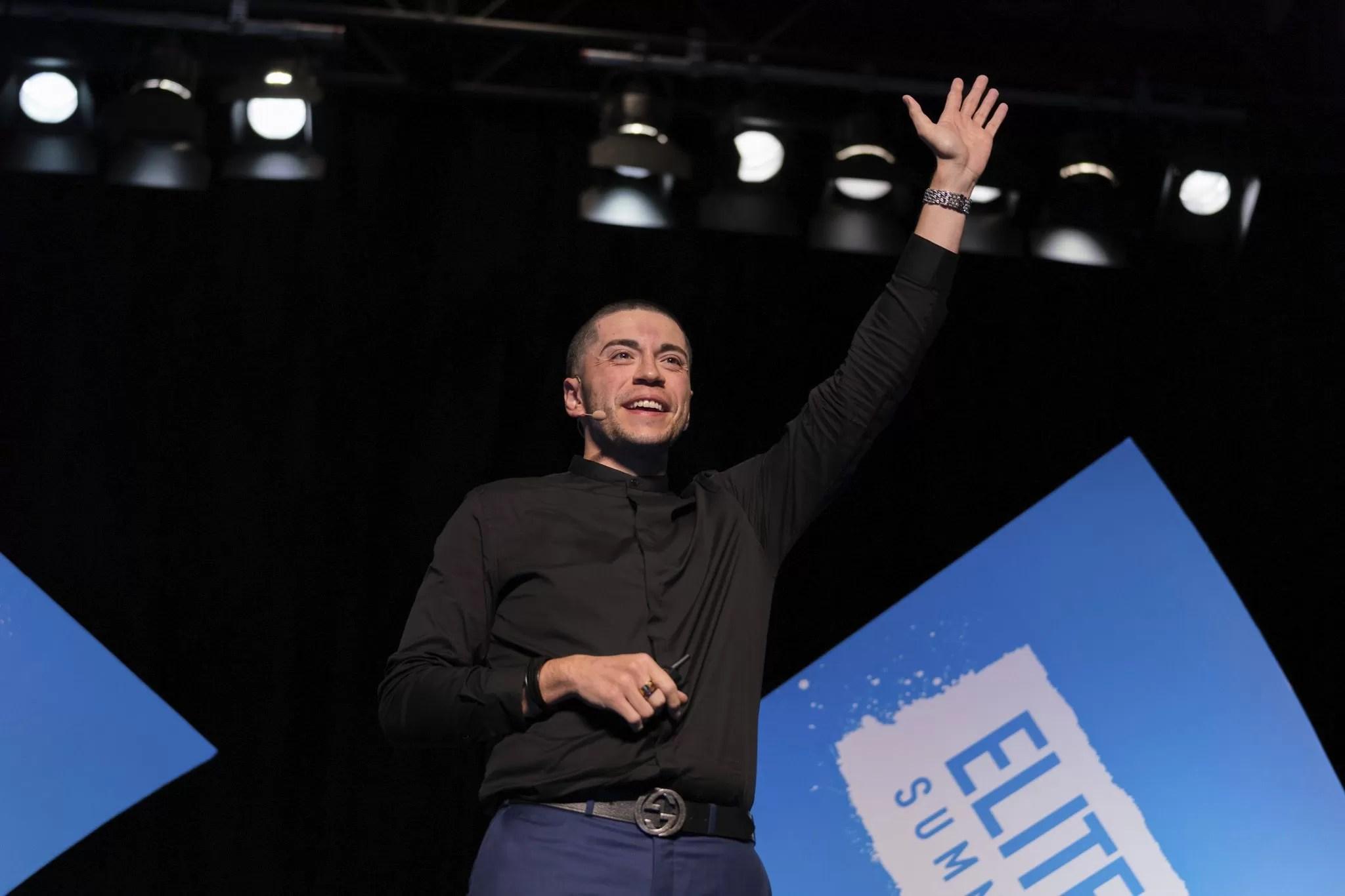 Josh-Elizetxe-The-Young-Entrepreneur1.jpg