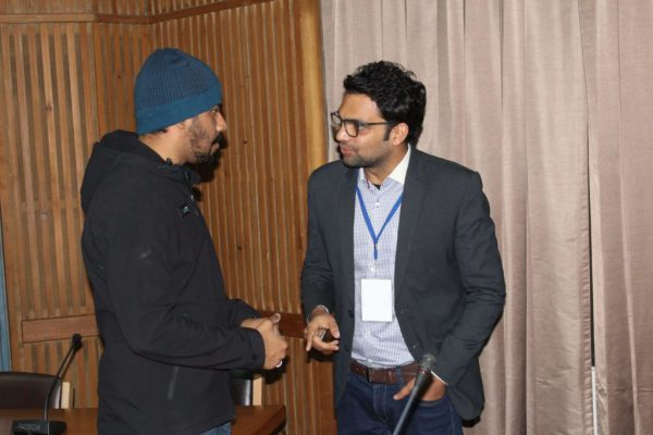 Dhruv-Singh-and-Ankit-Taparia-exchange-views-at-IC-InnovatorCLUB-third-meeting-1024x683