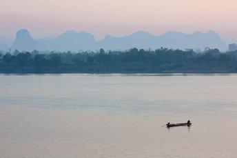 mekong-river-nakhon-phanom-thailand.jpg