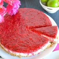 Zitronen-Limetten-Cheesecake mit Himbeeren