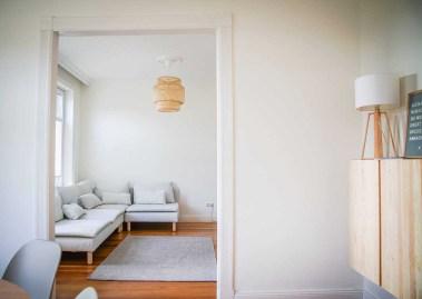 Eingewöhnungszeit n unserem neuen Haus auf dem Land. Wir sind hell und skandinavisch eingerichtet. Hier unser Wohnzimmer mit dem Söderhamn Sofa von Ikea| Ichsowirso.de