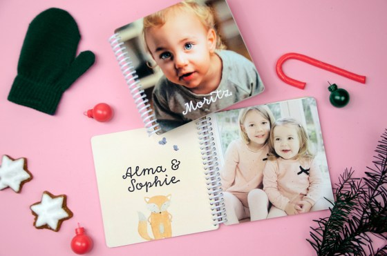 Im heutigen Adventskalender Türchen gibt es ein Fotobuch und ein Puzzel von kleine Prints zu gewinnen. Hüpft mal rüber! | Ichsowirso.de