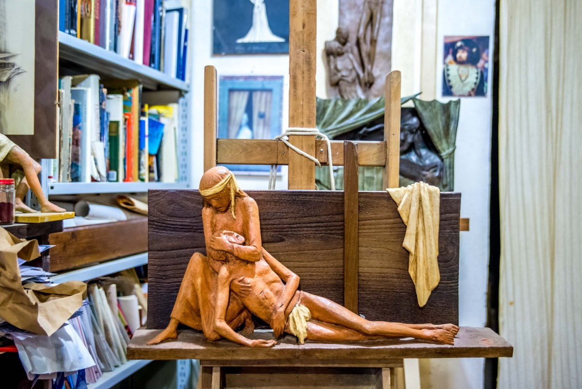 Pier Luigi Olla, Pier, Luigi Olla, Sienne, artiste siennois, sienna, sculpteur, scultpore, atelier
