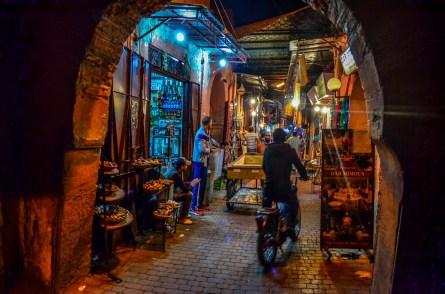 Souk Souks Maroc Marrakech Medina blogvoyage blogvoyage icietlabas