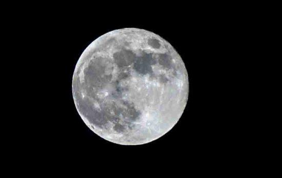 comment prendre la lune en photo tutoriel photo blog voyage blogvoyage icietlabas retouche(1)