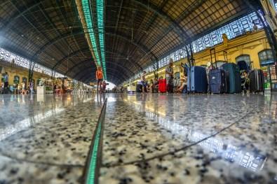 Valencia gare station Espana Espagne Blogvoyage Blog voyage icietlabas