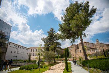 Nîmes Occitanie l'éccuson musée de la romanité blog voyage road trip camargue luberon-35