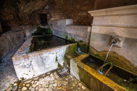 Moustiers-Sainte-Marie que faire en provence alpes cote d'azur alpes de haute provence plus beau village de France