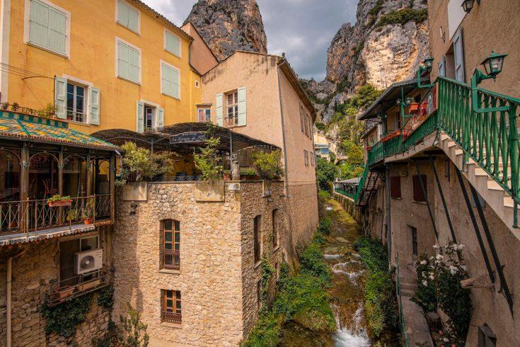 que faire en provence alpes cote d'azur alpes de haute provence plus beau village de France