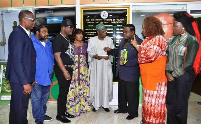 Minister of information and culture, Lai Mohammed, poses with the COSON delegation
