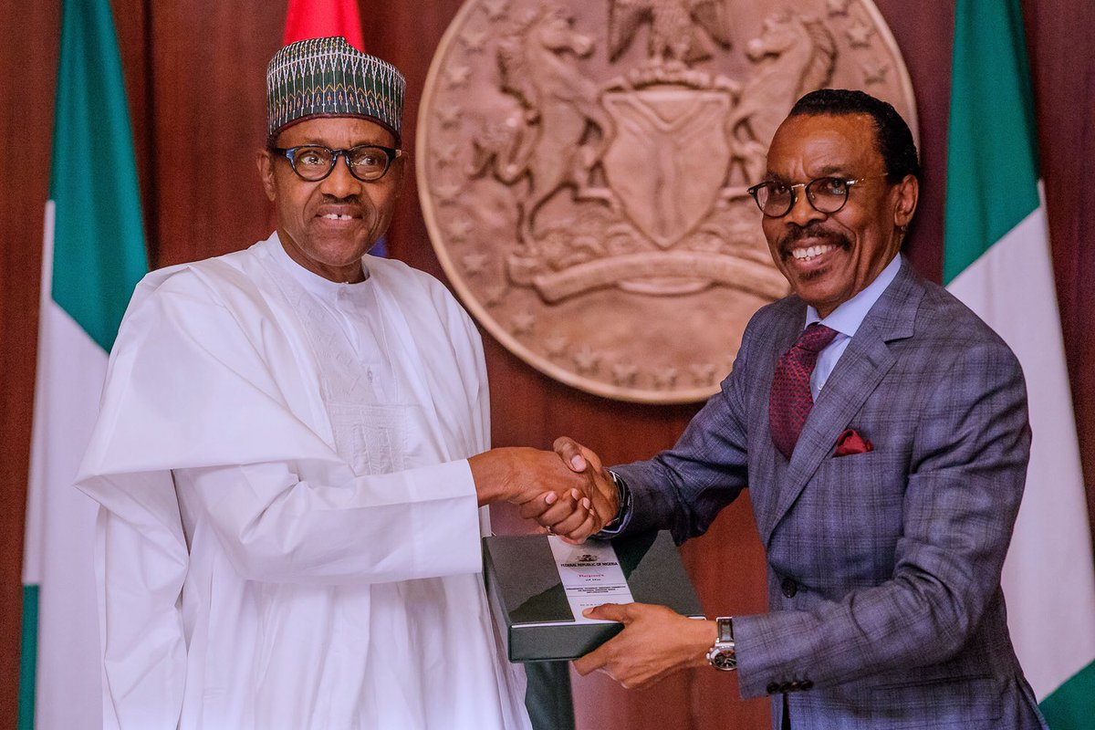 Buhari signs new minimum wage act, approves N30,000