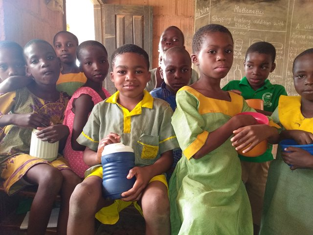 Investigation: Oyo, Ogun, Ondo —states where pupils eat 'unbalanced balanced diet' under school feeding programme (PART I))