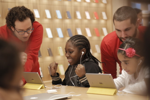 Apple Announces Free Hour of Code Workshops December 5-11 at Every Apple Store