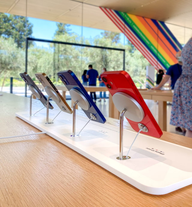 Check Out Apple's New MagSafe iPhone Display Stand for Retail Stores