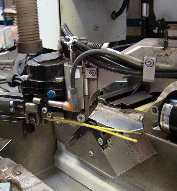 Fabricación automatizada de cableado industrial a medida, en ICM