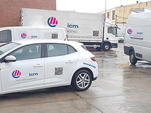 Flota de vehículos de ICM para la entrega de pedidos y visitas comerciales a clientes