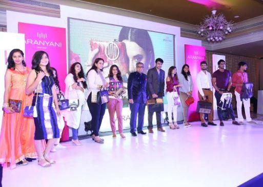 Haresh Mirpuri with models Models Aranyani SS18