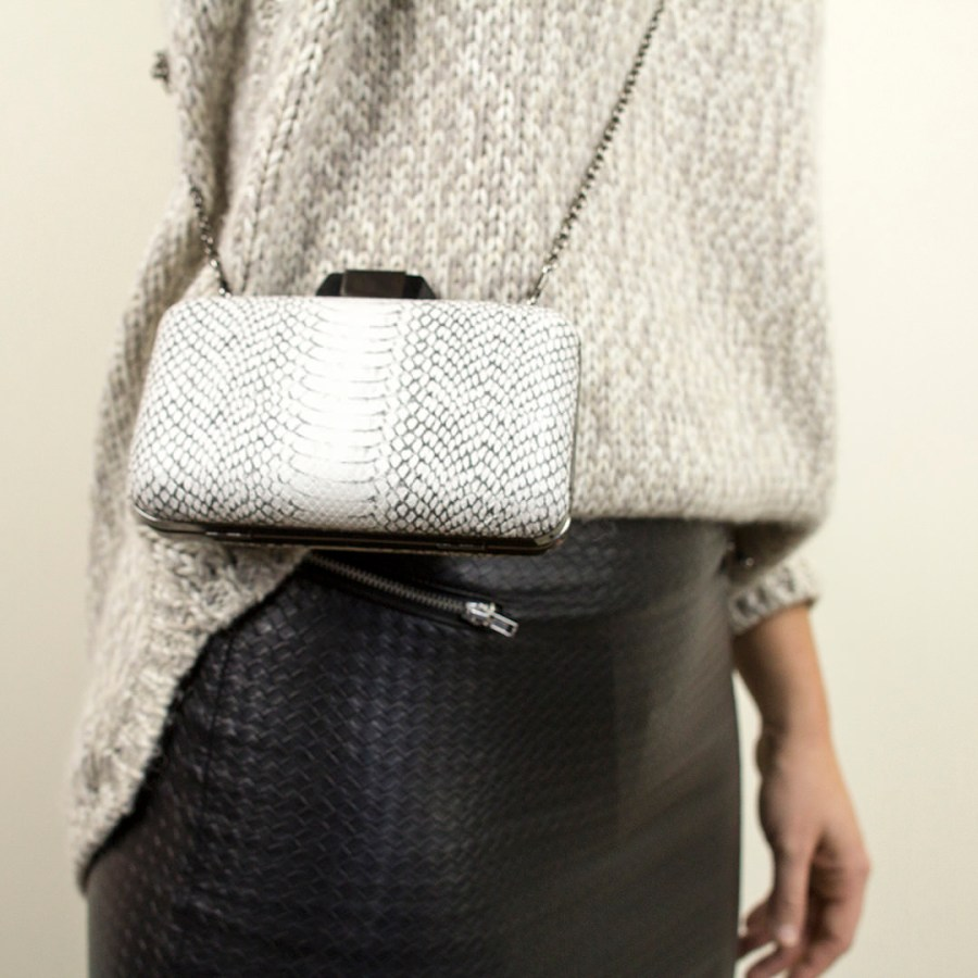 Sweater- Joules Ankle boots- Office. Bag- Parfois*. Skirt- H&M.