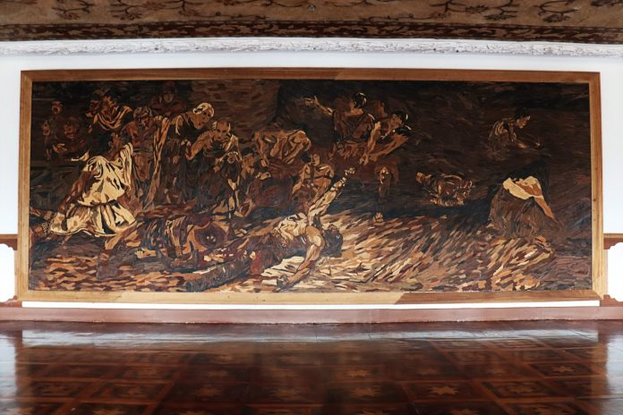 Las Casas Filipinas de Acuzar: Spolarium made of wood chips
