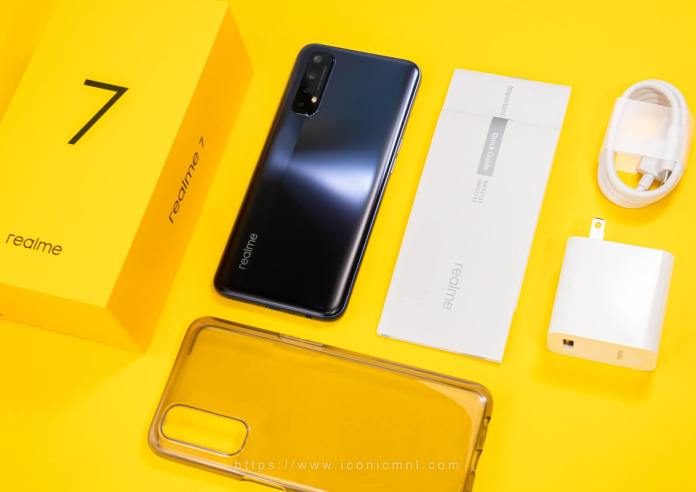 realme 7 - What's Inside?