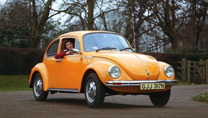 Esos colores de los setenta, el Escarabajo no podía ser menos...