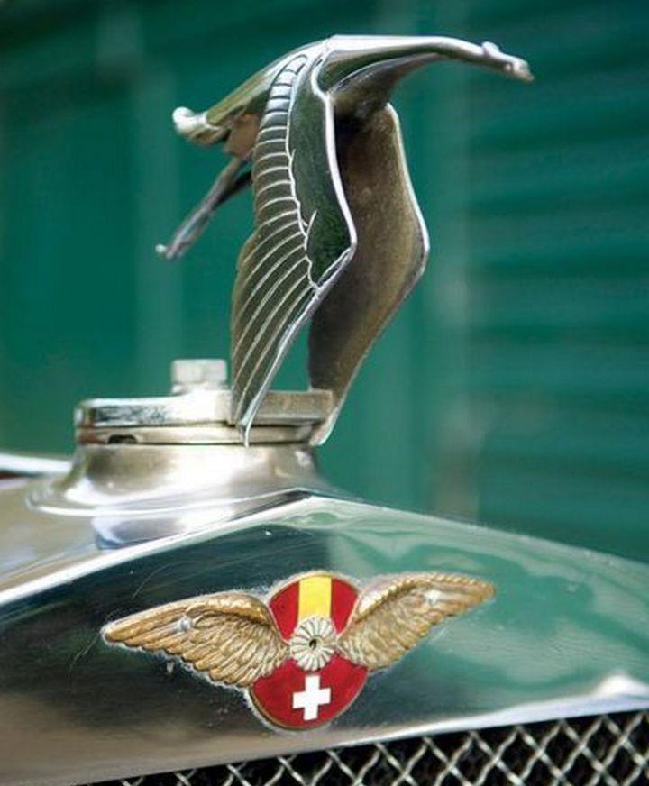 """La icónica """"cicogne volante"""" de Hispano-Suiza"""