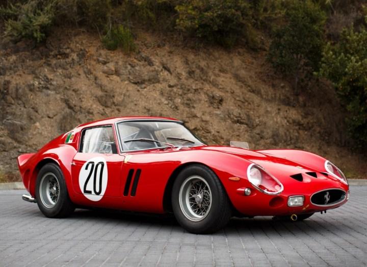 El Ferrari 250 GTO (1962) del que se fabricaron 36 unidades es oficialmente el coche más caro del mundo, habiéndose vendido uno en subasta en 2012 por 38 millones de dólares y otro en venta directa en 2013 por 52.