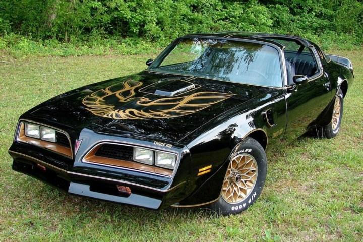 Muscle Cars y Pony Cars: Uno de los pocos supervivientes, el Pontiac Firebird Trans Am de 1977