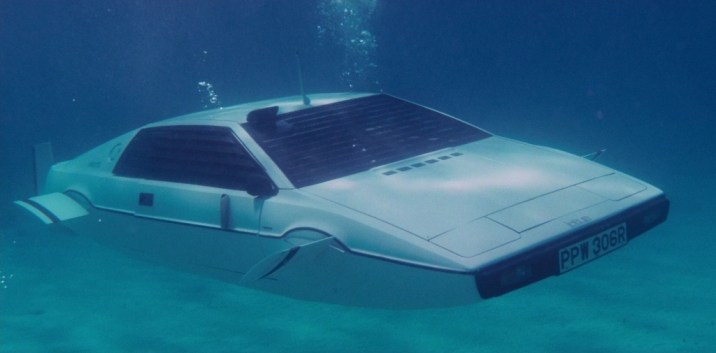 Barnfinds: Lotus Esprit 007 James Bond | EON Productions & others