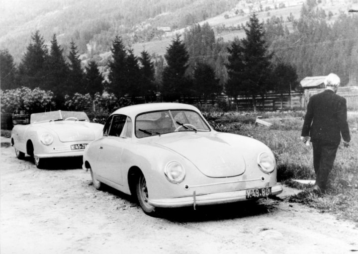 Porsche Tipo 356: el número uno (detrás) y el número dos | Foto: Porsche AG
