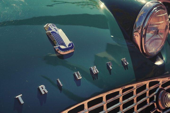 Typography Triumph TR3