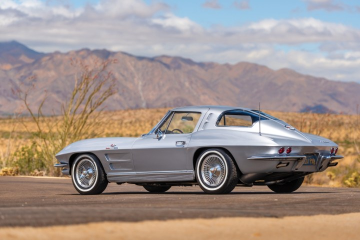 RM Sotheby's 1963 Chevrolet Corvette Sting Ray 'Fuel Injected' Split-Window Coupe $ 131,600