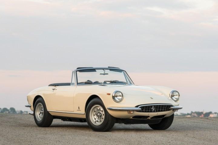 RM Sotheby's 1969 Ferrari 365 GTS by Pininfarina $ 2,205,000