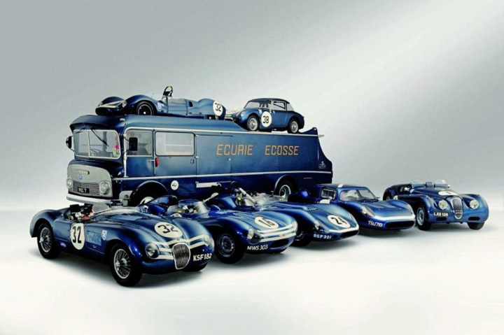 La colección de Skipworth: Commer TS3, Jaguar C-Type, Jaguar D-Type, Tojeiro EE-Buick Coupe, Jaguar XK120, Tojeiro-Jaguar y Austin-Healey Sprite | Bonhams